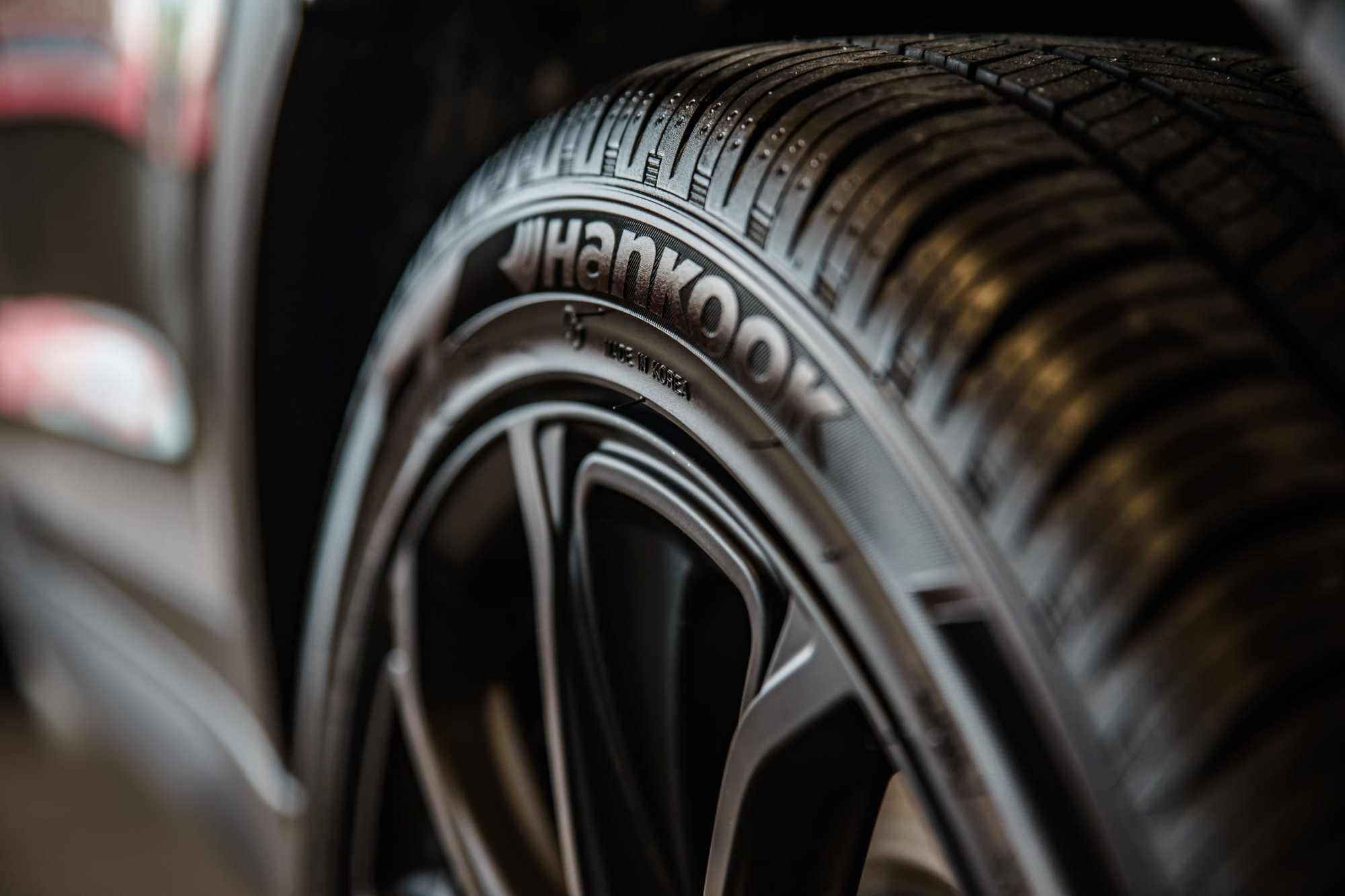 Hankook Reifen auf schwarzer Felge